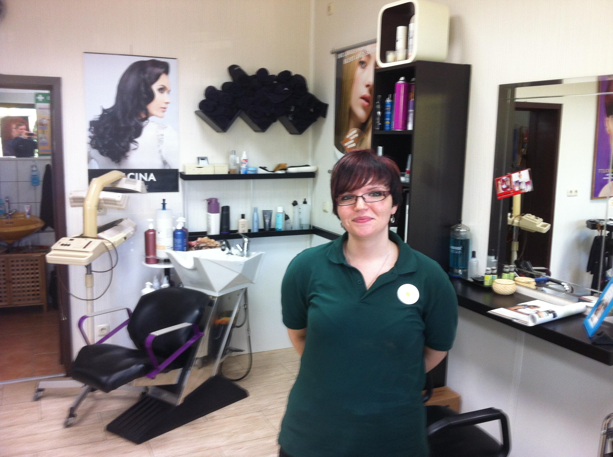 Auszubildende zur Friseurin