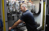 Verfahrensmechaniker bereiten Rohstoffe und Rohmassen für die Produktion vor